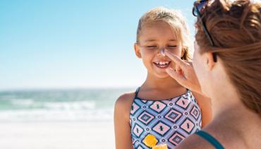 Cómo cuidar de la boca de los más pequeños en verano